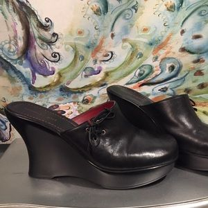 Tommy girl black leather mule clogs size size 10M